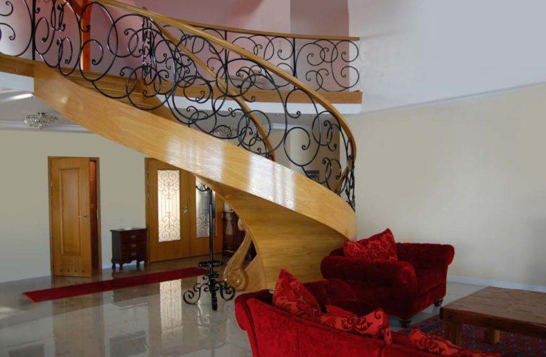 Nowoczesne schody dywanowe
